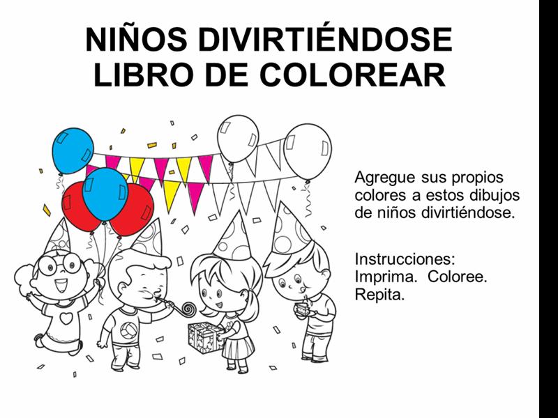 Los niños se divierten con los libros para colorear