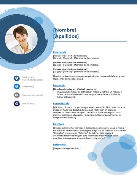 Currículum vítae con esferas azules