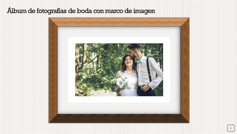 Álbum de fotografías de boda con marco de imagen