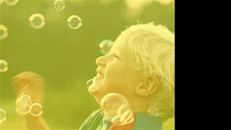 Predložak dizajna Dječak i njegovi mjehurići