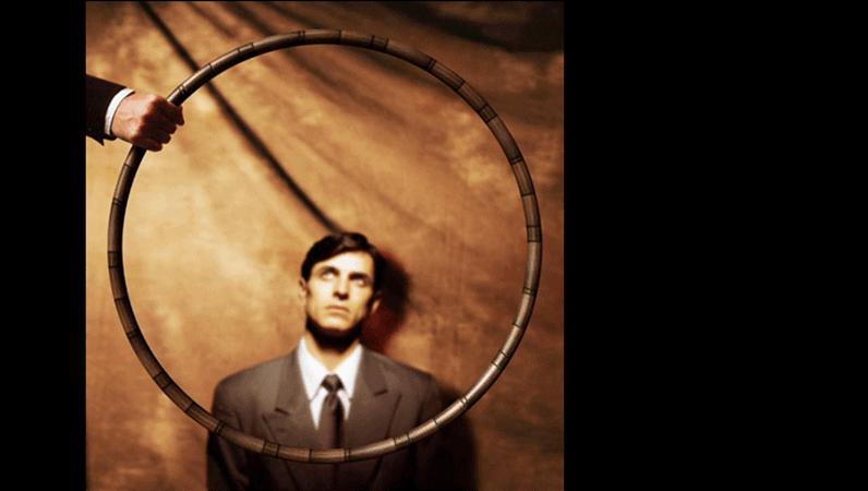 Diapositiva immagine Salto attraverso cerchio