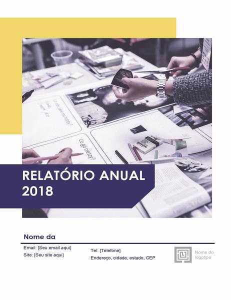 Relatório anual (Designs Vermelho e Preto)